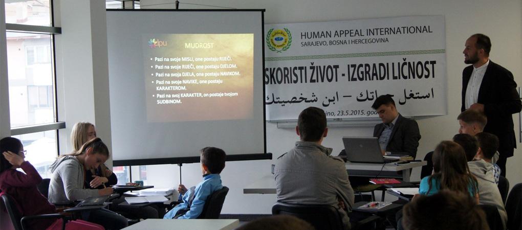 """U Bugojnu održan seminar """"Iskoristi život - izgradi ličnost"""""""