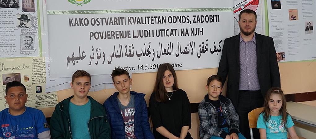 """Seminar """"Kako ostvariti kvalitetan odnos, zadobiti povjerenje ljudi i uticati na njih"""" u Mostaru"""